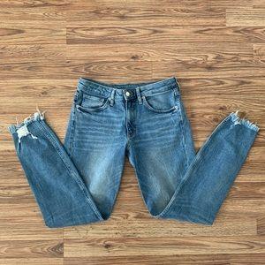 🐤 H&M Distressed Raw Hem Ankle Skinny Jeans